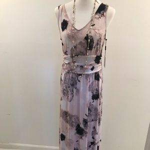 NWT Calvin Klein Maxi Dress floral pink size 10